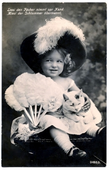 Vintage phot0 - Little girl with hat and cat