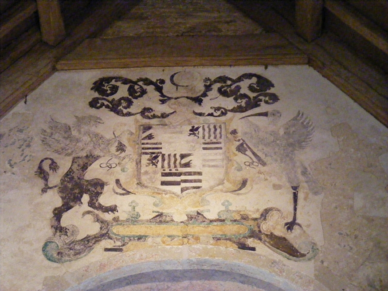 Wall painting of the Hungerford arms in the chapel