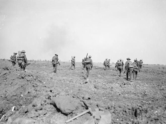 Battle of the Somme, Battle of Morval, supporting troops moving up to the attack 25 Sept 1916 - Imperial War Museums (Wikipedia)