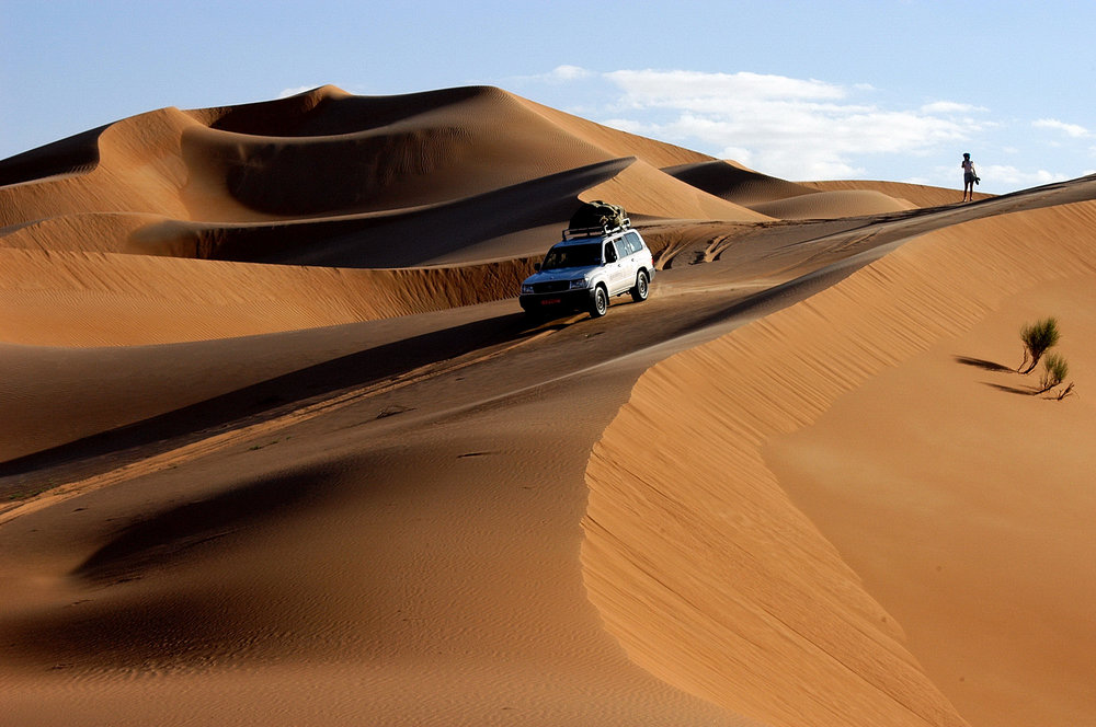 OMAN - cars in the desert 1.JPG
