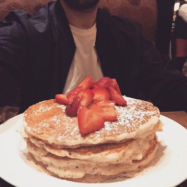 Just ordered some pancake 😱 #xxlpancake #us #everythingbig