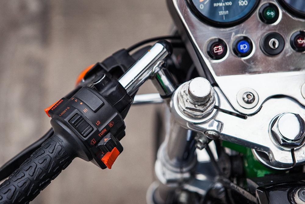 1993 Moto Guzzi 1000S controls