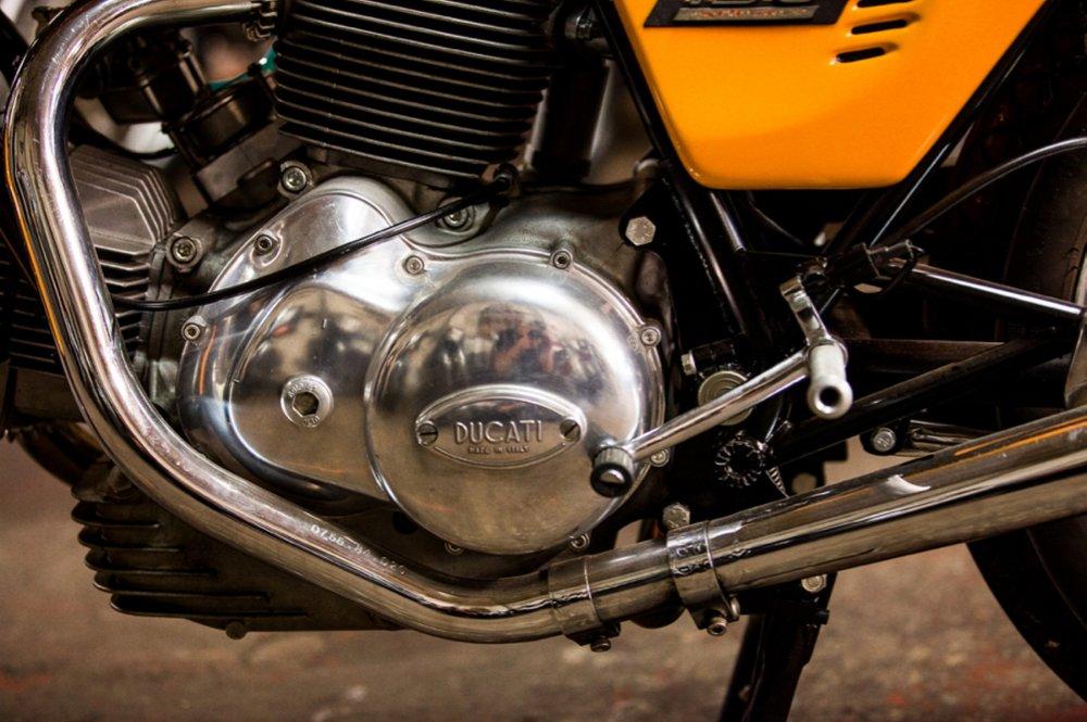 1974 Ducati 750S Sport round case