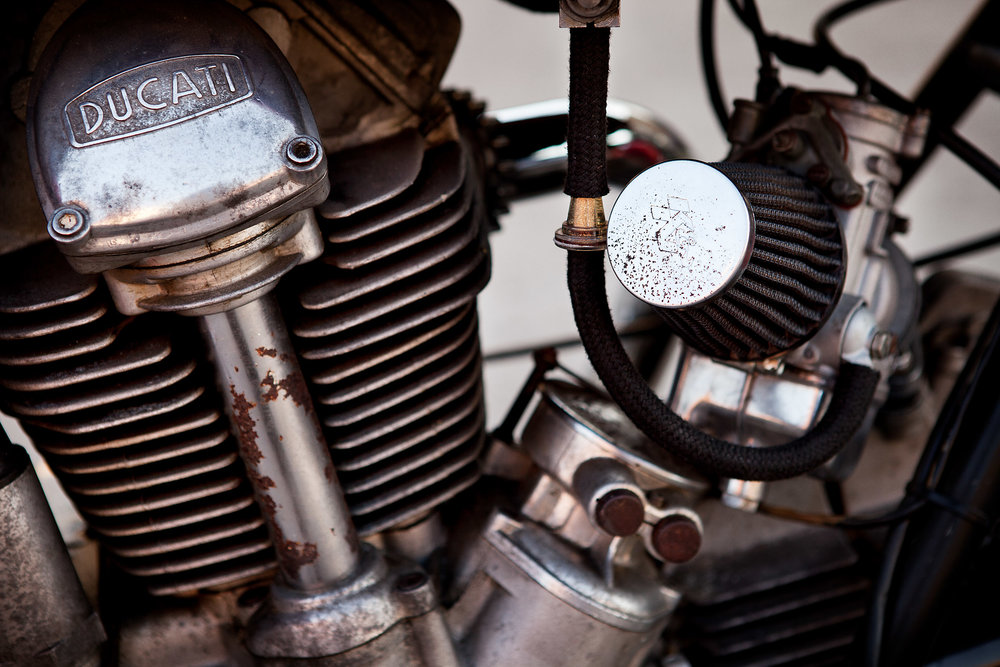 Ducati 750GT Head