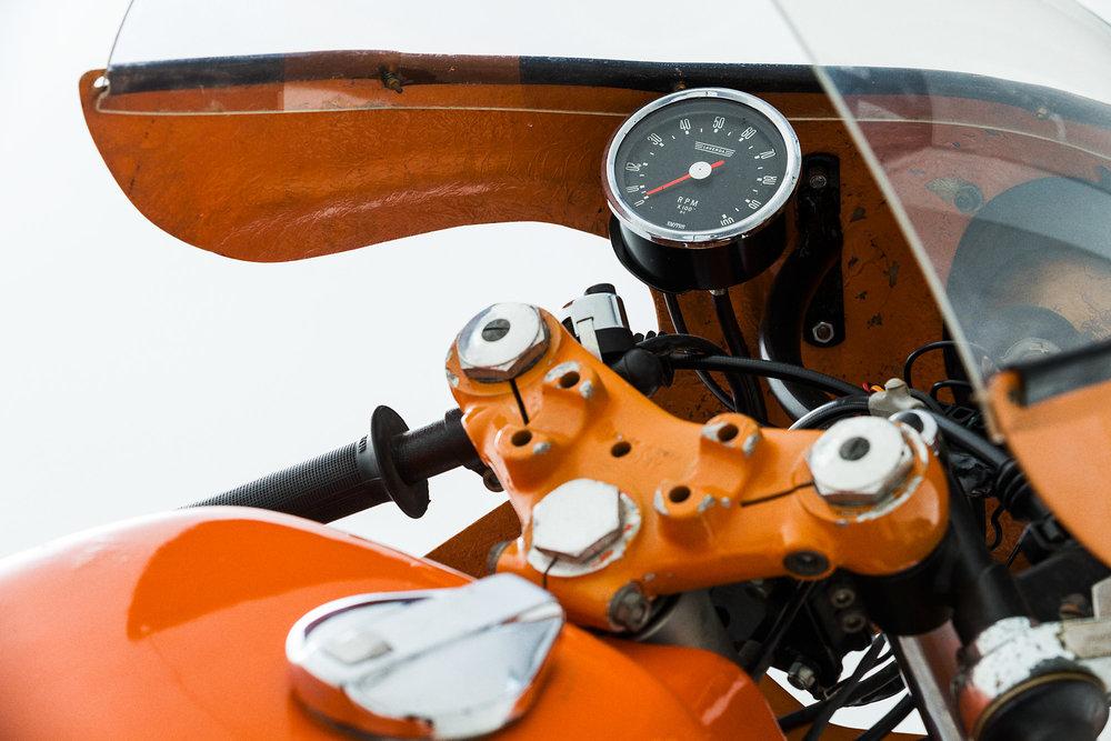 laverda sfc cockpit speedometre