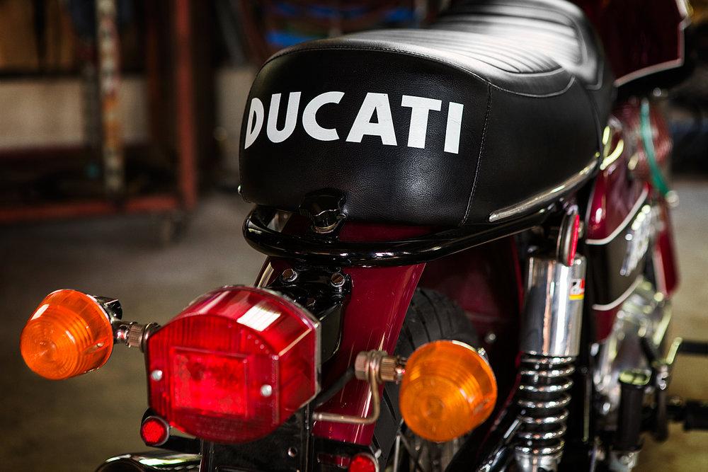 1974 Ducati 750 GT Seat