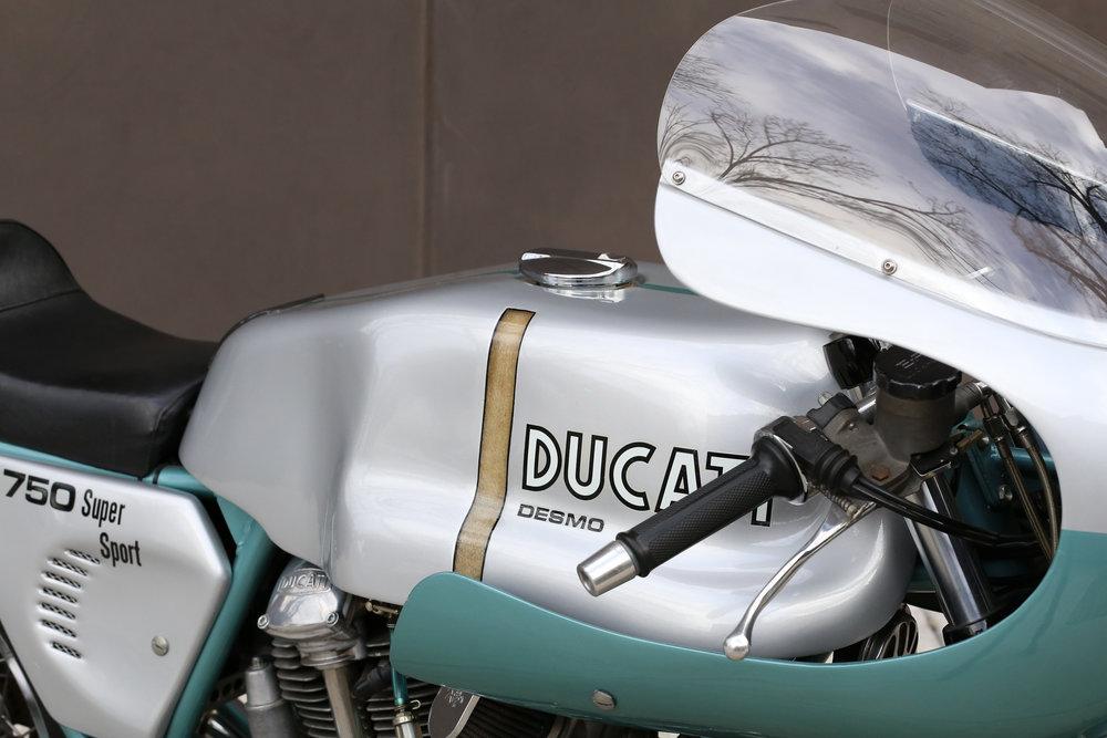 1974 Ducati 750SS green frame moto borgotaro tank