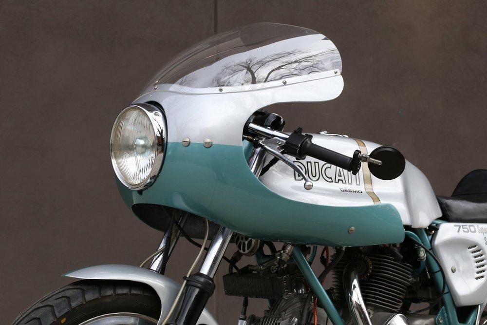 1974 Ducati 750SS green frame moto borgotaro faring