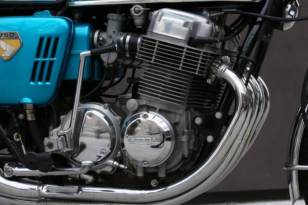 motoborgotarohondacb-32.jpg