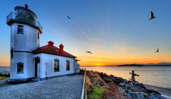 Alki light house at sunset.jpg