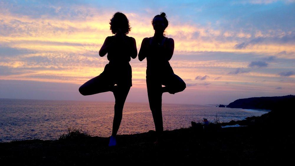 masunte zipolite oaxaca yoga pose tree vriksana girls yogagirls yogastef yoga retreat silouhette sunset seascape