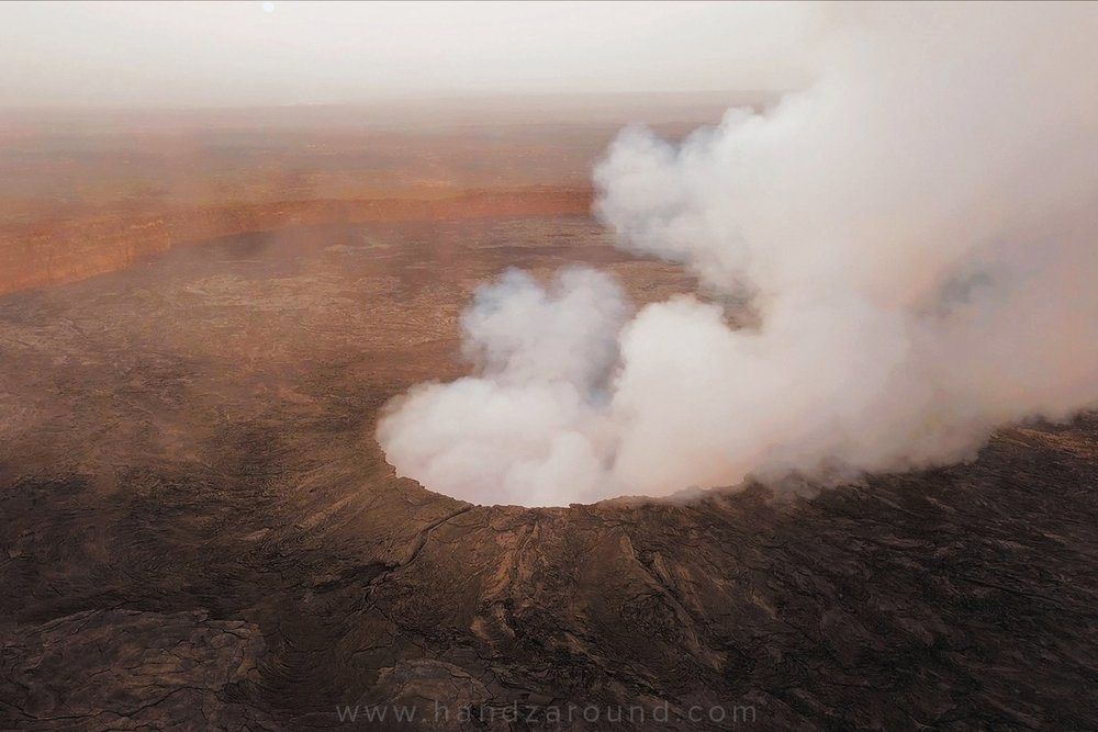 05_Erta_Ale_Volcano_Danakil_Depression_HandZaround_ETT.jpg