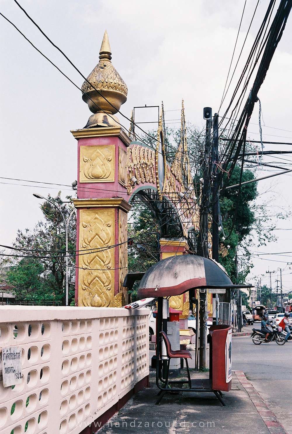 006_Chumphon_Thailand_Photo_Story_HandZaround.jpg