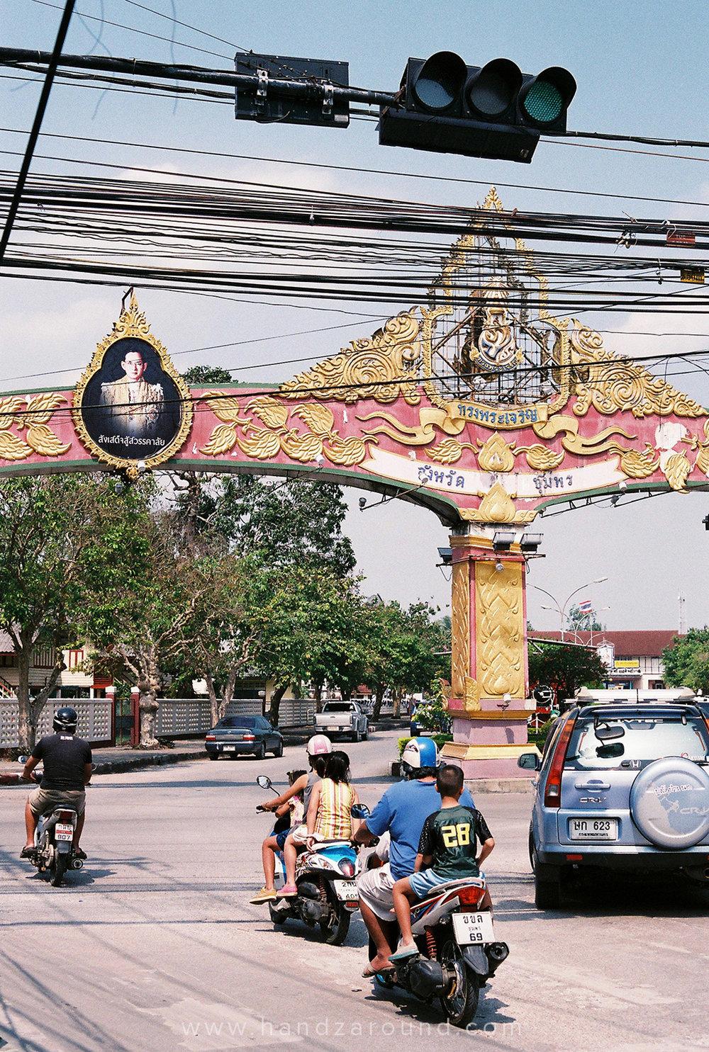 010_Chumphon_Thailand_Photo_Story_HandZaround.jpg