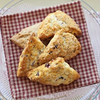 Amazing cranberry orange scones! All of our all-natural scones bake up fresh from frozen in about 15 minutes! www.HeritageScones.com