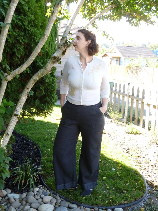 Read about how I made these awesome wide-leg pants from the book Gertie Sews.