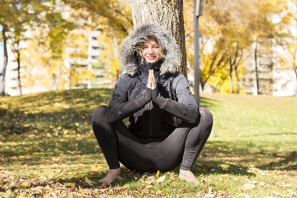 yogi in malasana