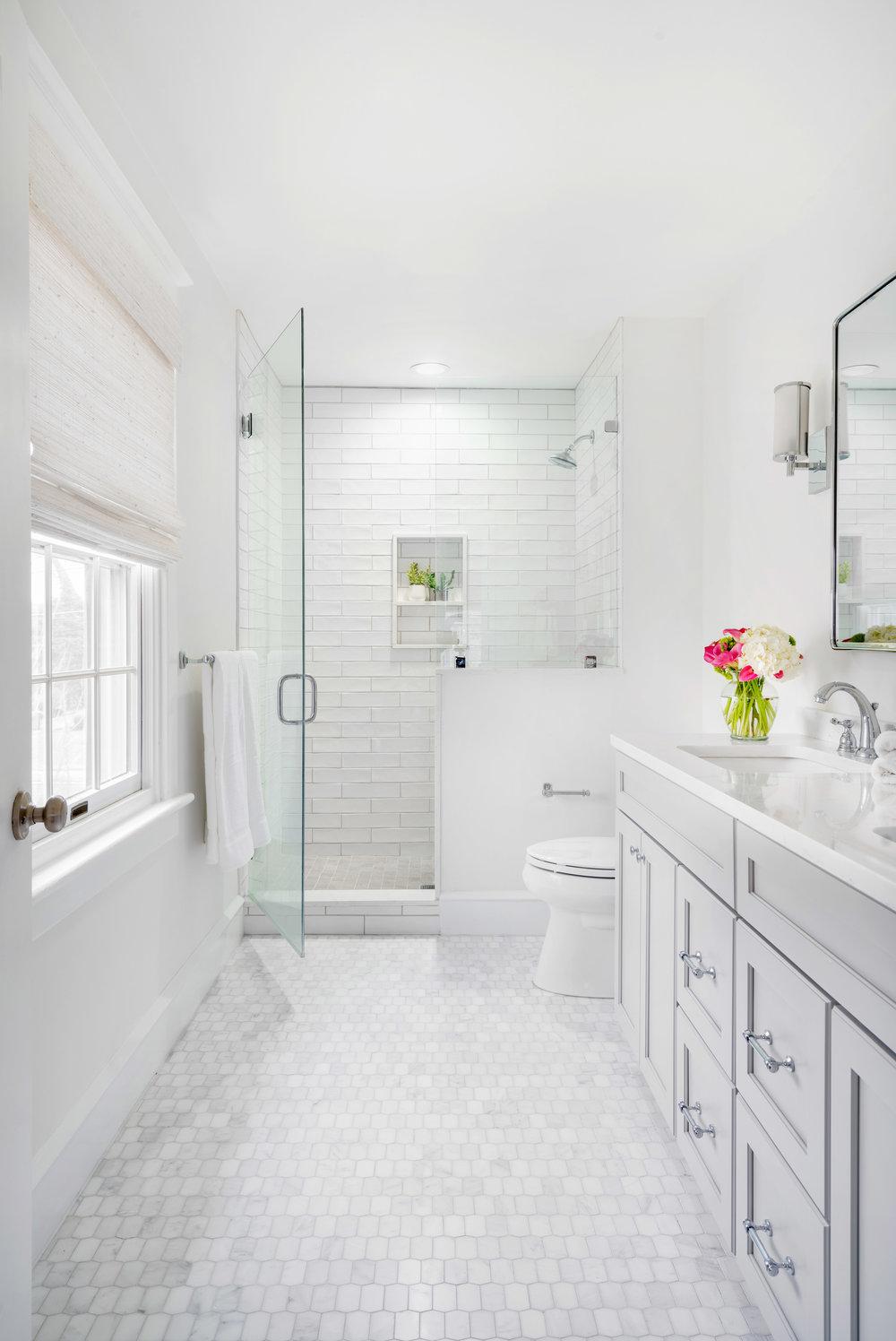 Bright Master Bathroom -