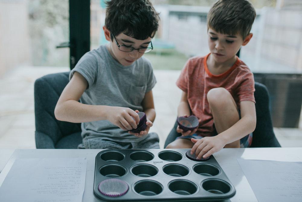 Halloween-cupcakes-baking-with-kids-simple-recipe-vanilla-cupcakes-bbc-minas-planet-jasmina-haskovic-1.jpg