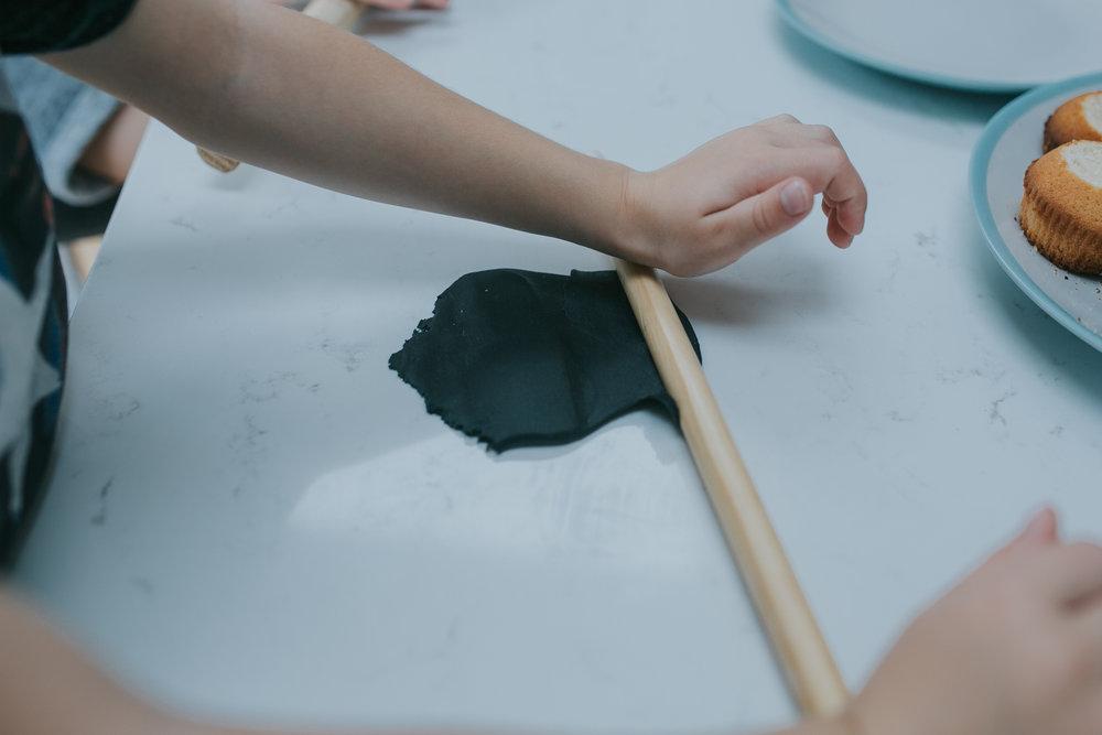 Halloween-cupcakes-baking-with-kids-simple-recipe-vanilla-cupcakes-bbc-minas-planet-jasmina-haskovic-11