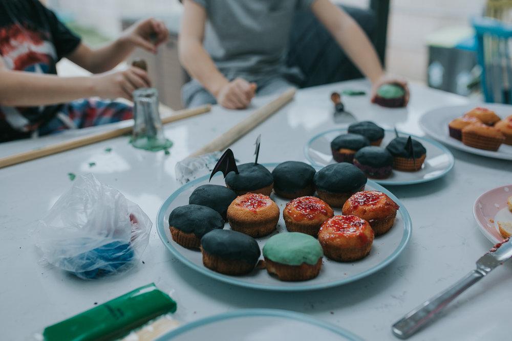 Halloween-cupcakes-baking-with-kids-simple-recipe-vanilla-cupcakes-bbc-minas-planet-jasmina-haskovic-12