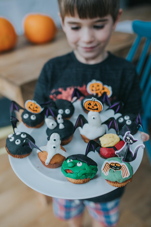 Halloween-cupcakes-baking-with-kids-simple-recipe-vanilla-cupcakes-bbc-minas-planet-jasmina-haskovic-16