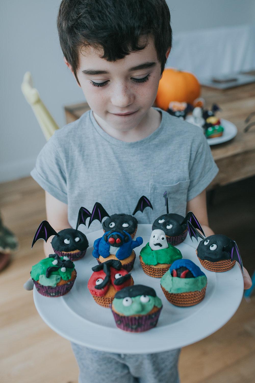 Halloween-cupcakes-baking-with-kids-simple-recipe-vanilla-cupcakes-bbc-minas-planet-jasmina-haskovic-20