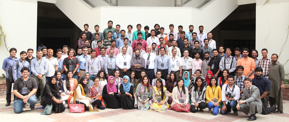 Group photo of the participants with the speakers