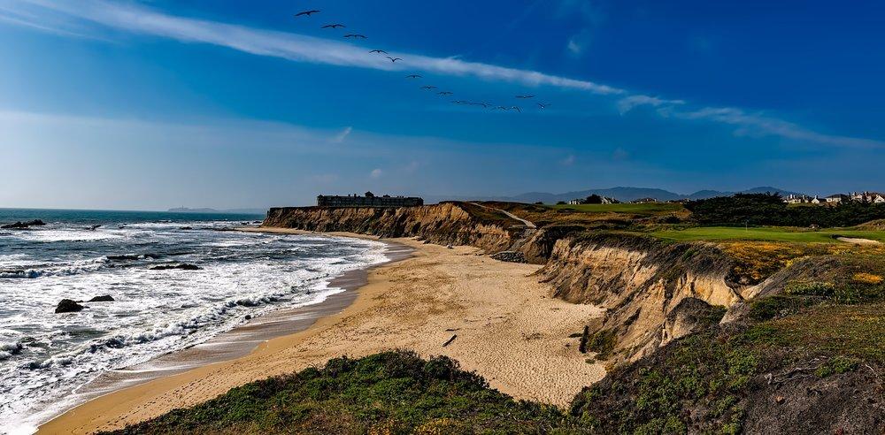 bay-beach-beautiful-163202.jpg