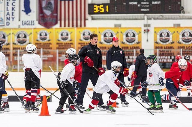 Dylan running the campers thru positioning drills #larkinhockeyschool