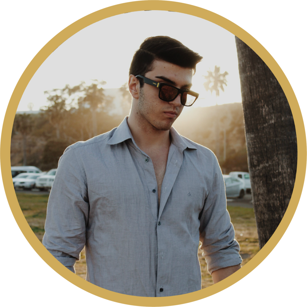 Riccardo 2018 Branding (1).png