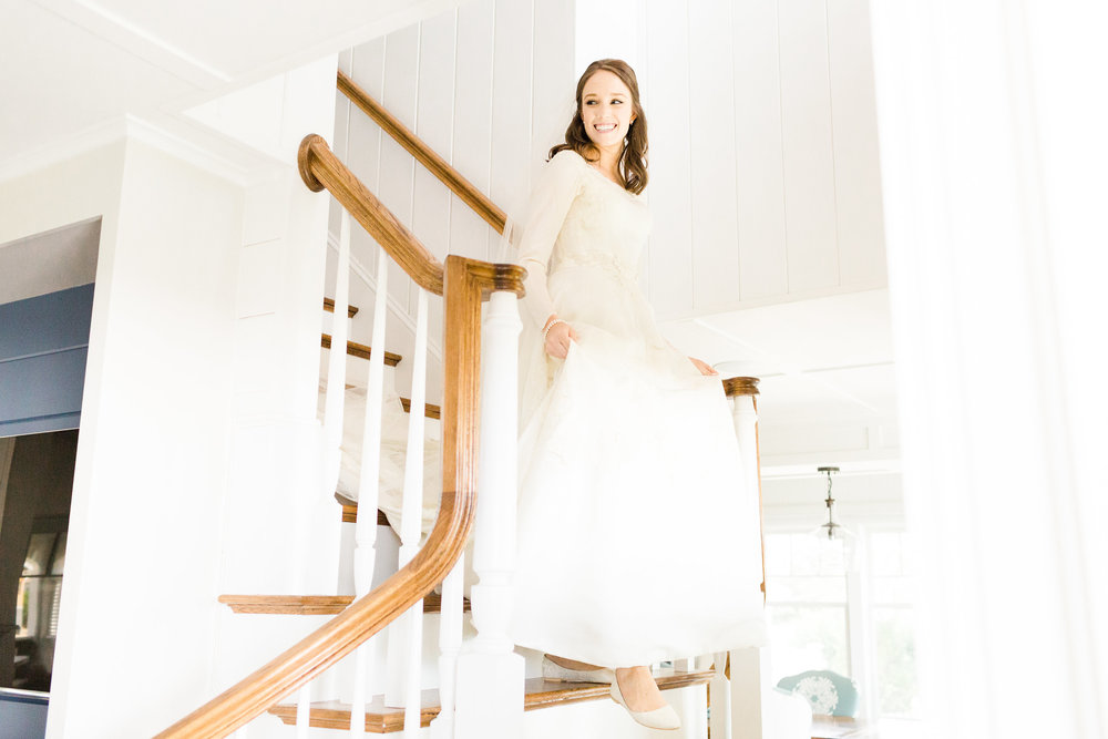Cape_Cod_Wedding_Bride_Vintage_Dress