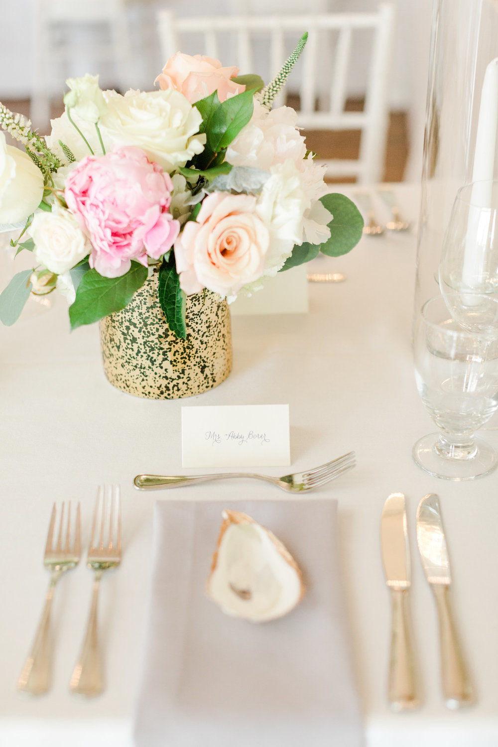 Cape_Cod_Wedding_Tablescape_Oyster_Shell