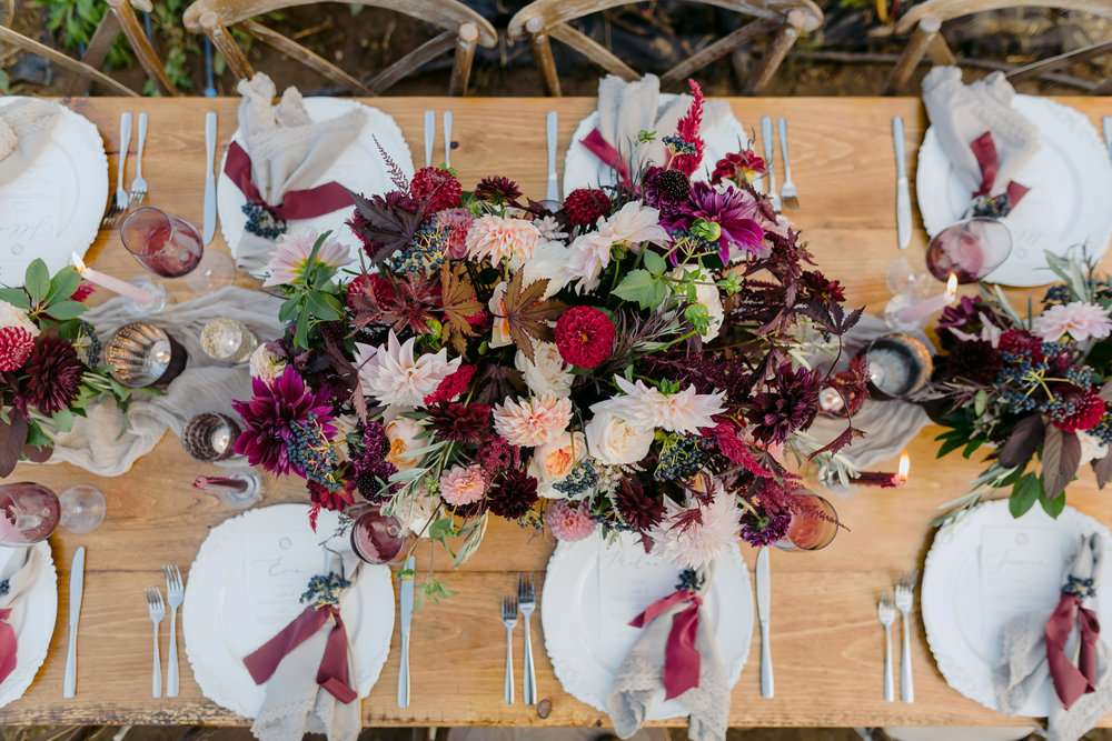 Burgundy_And_Gray_Tablescape