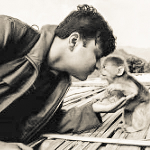 tanmoy ghose,  award winning wildlife photographer, zoologist, and field researcher