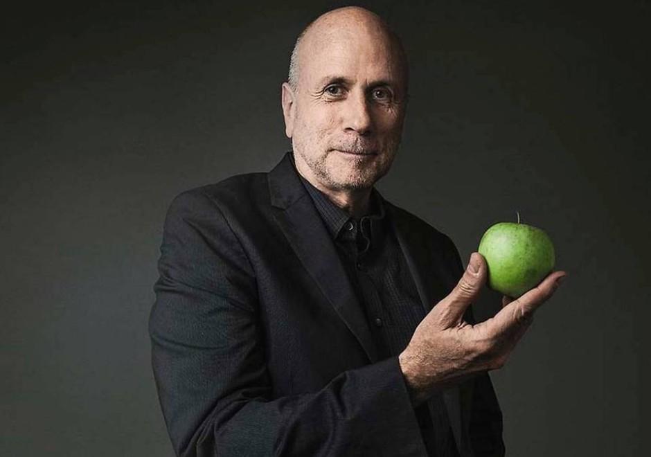 Ken-Segall-speaker-keynote-speech-apple-simplicity-940x660.jpg