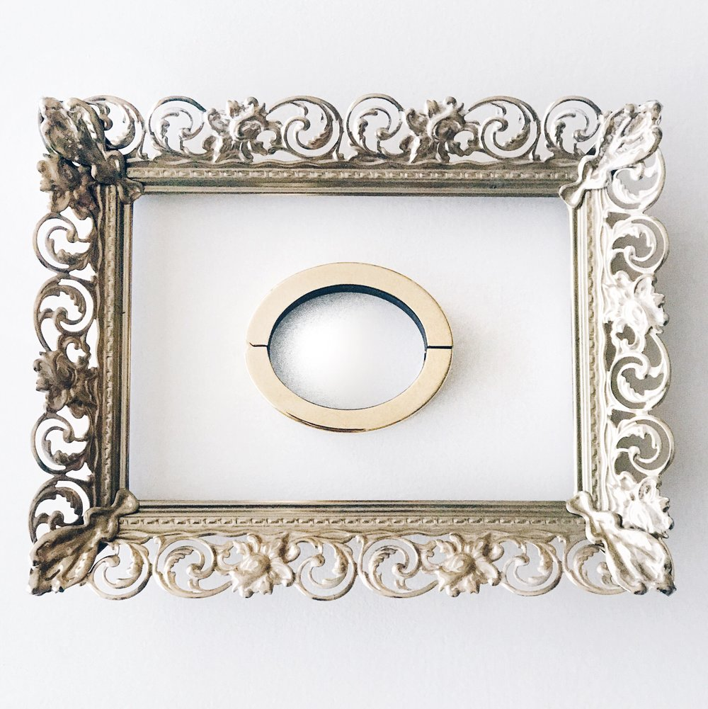 gold frame product photo.JPG
