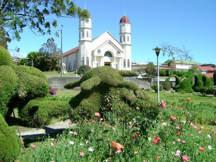 zarcero-church-gardens-park.jpg