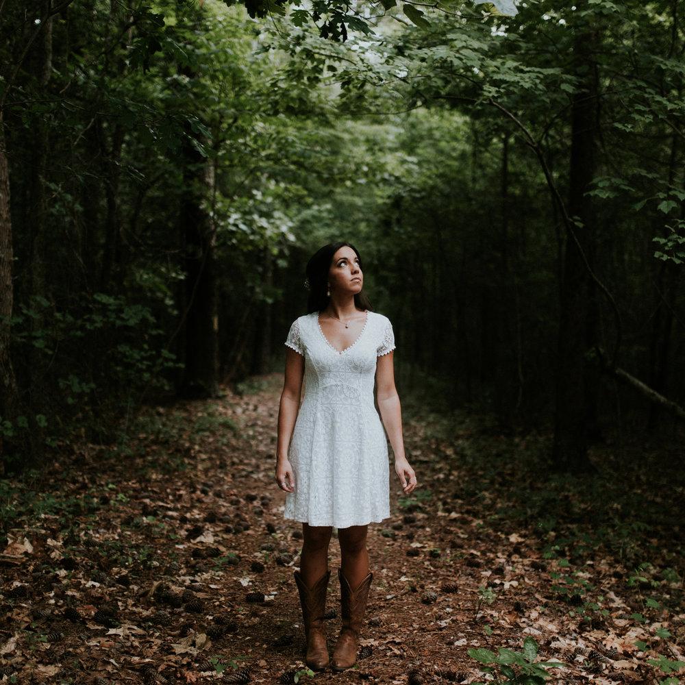 Lauren-Settembrini-Girl-In-The-Woods