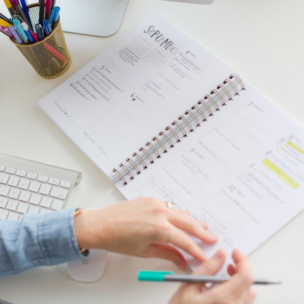 Schedule the Project | An Inside Look at my Branding Client Process | casilong.com/blog #casilongdesign.jpg