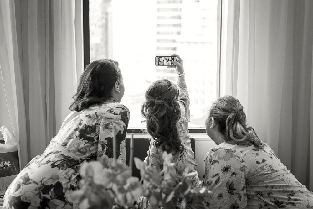 06_Ali_Lloyd_Bryant_Park_Grill_Wedding_NYC_Tanya_Salazar_Photography_020.jpg