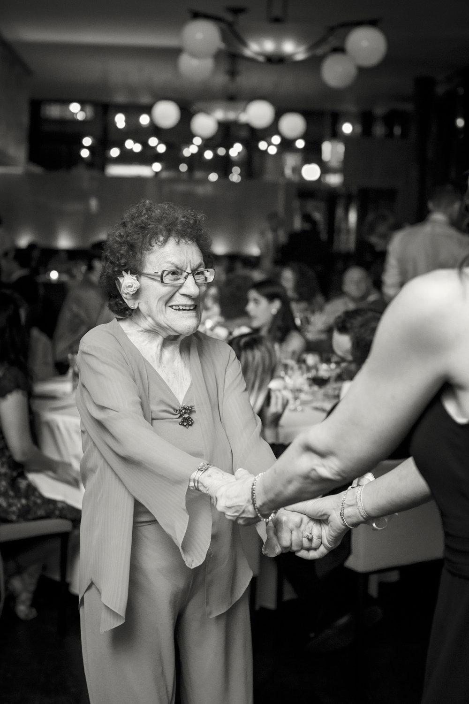 60_Ali_Lloyd_Bryant_Park_Grill_Wedding_NYC_Tanya_Salazar_Photography_697.jpg