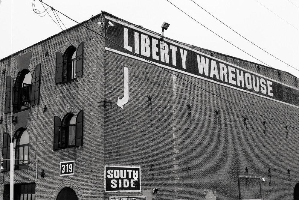 23_Alyson_Colin_Liberty_Warehouse_Brooklyn_Tanya_Salazar_Photography_1212.jpg