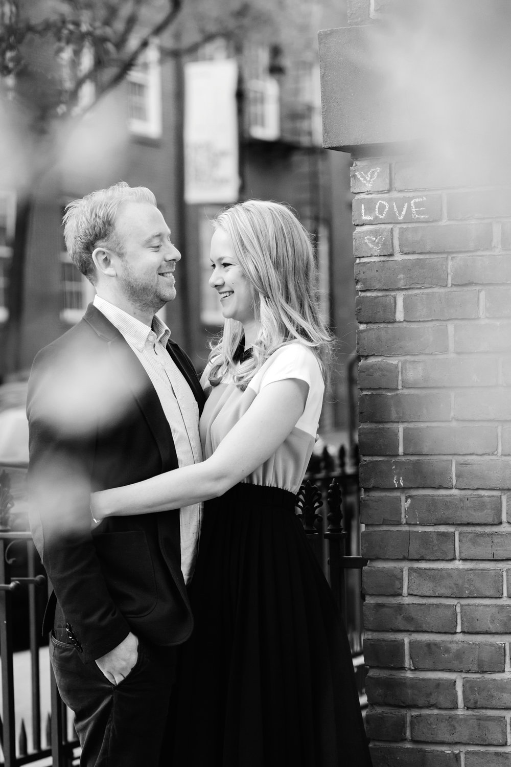 06b_Kasey_Paul_West_Village_The_Highline_NYC_Engagement_Tanya_Salazar_Photography_006.jpg