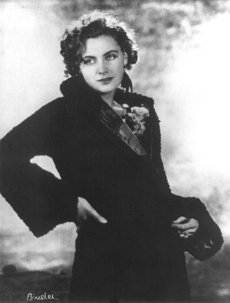 800px-Greta_Garbo02.jpg