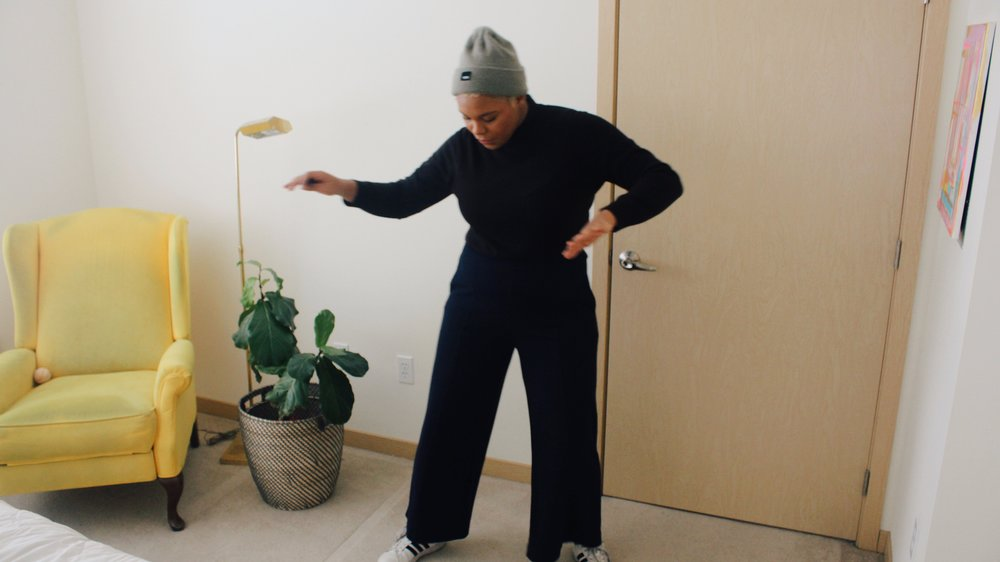 11ThingsInMyApartmentStillHardToGetRidOf-ClothedInAbundance