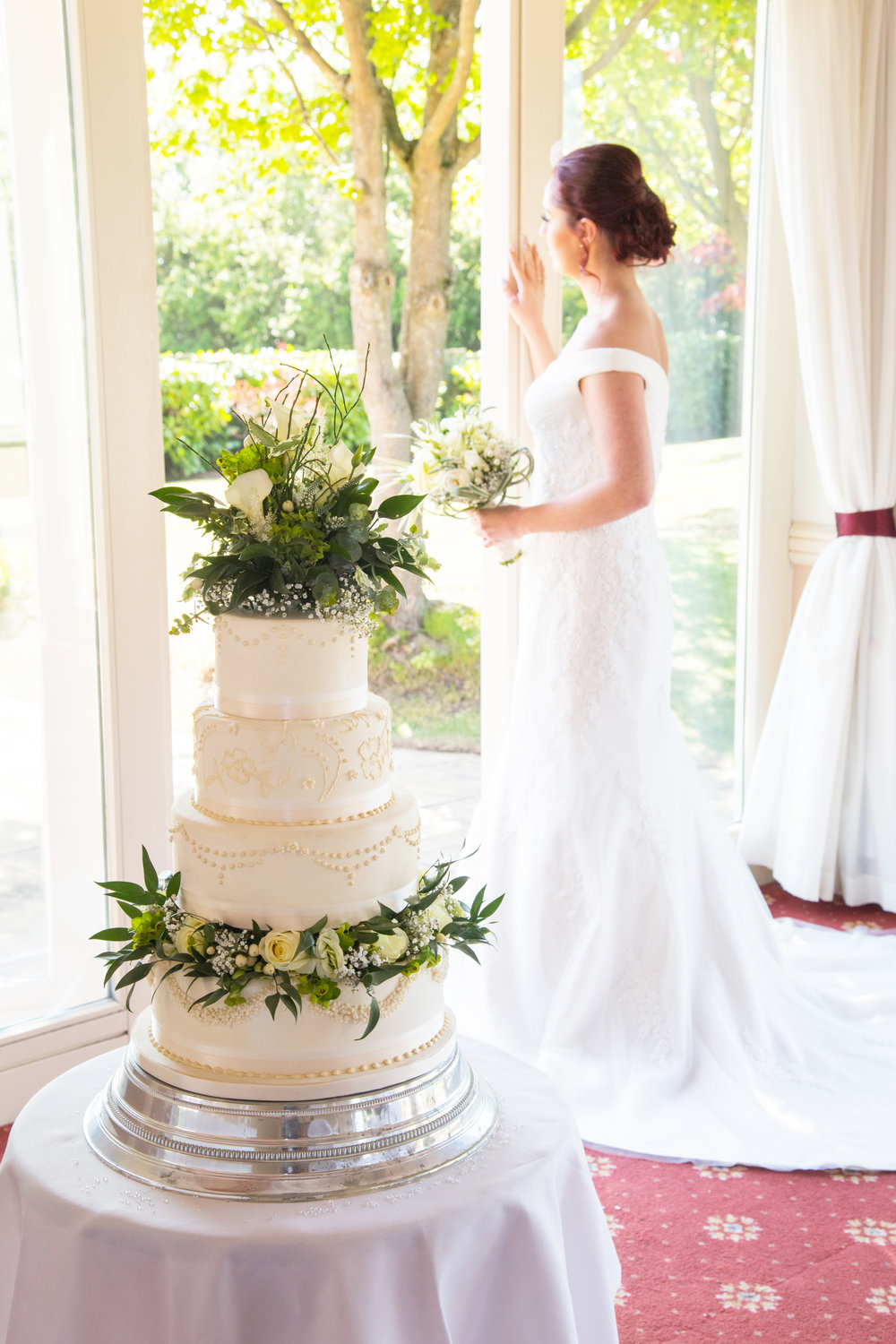 Wedding cake with Bride Henley Golf and Country Club