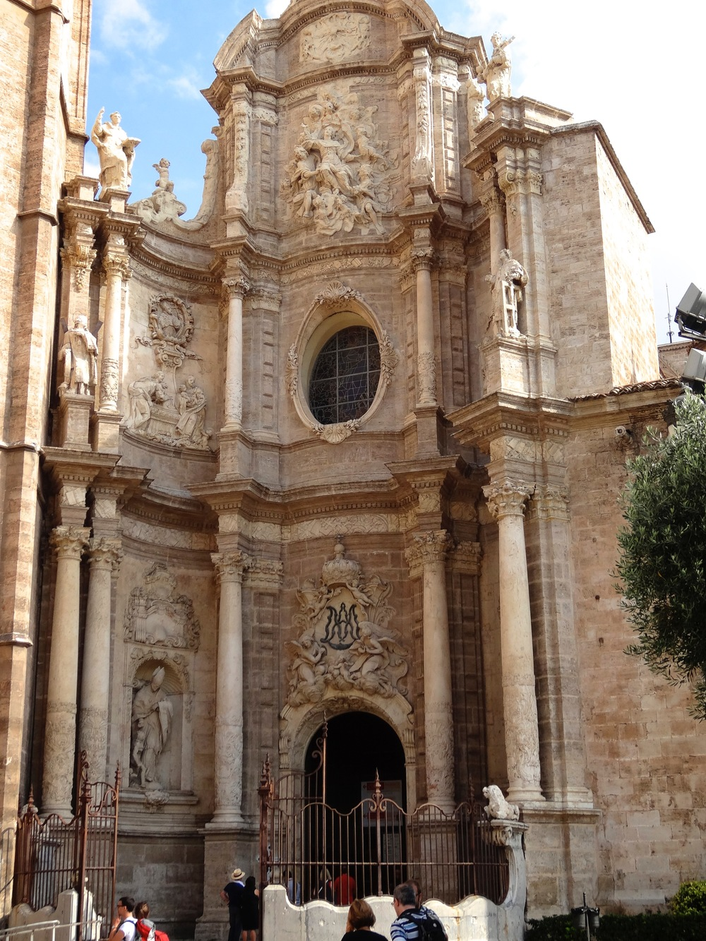 Valencia Cathedral (2).jpg