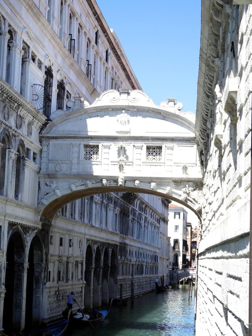 Ponte dei Sospiri.jpg