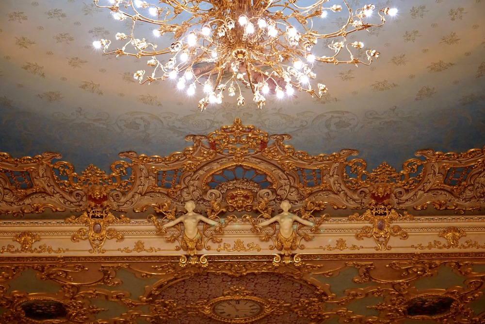 Detailed Ceiling Decorations.jpg